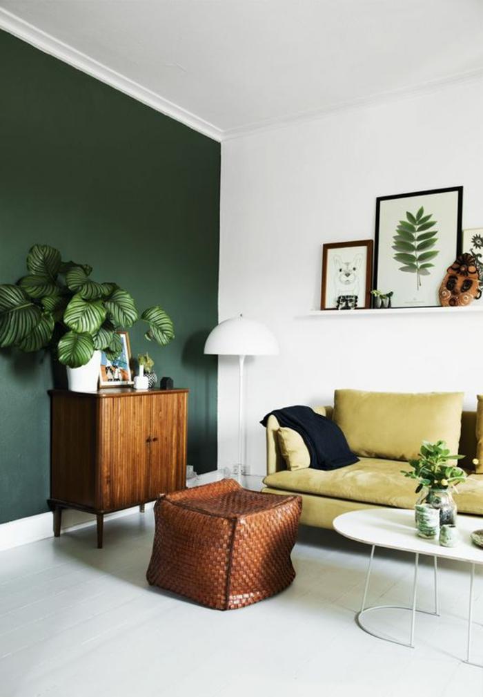 marvellous living room green accent wall | Mit Zimmerpflanzen das Zuhause dekorieren - 60 Beispiele ...