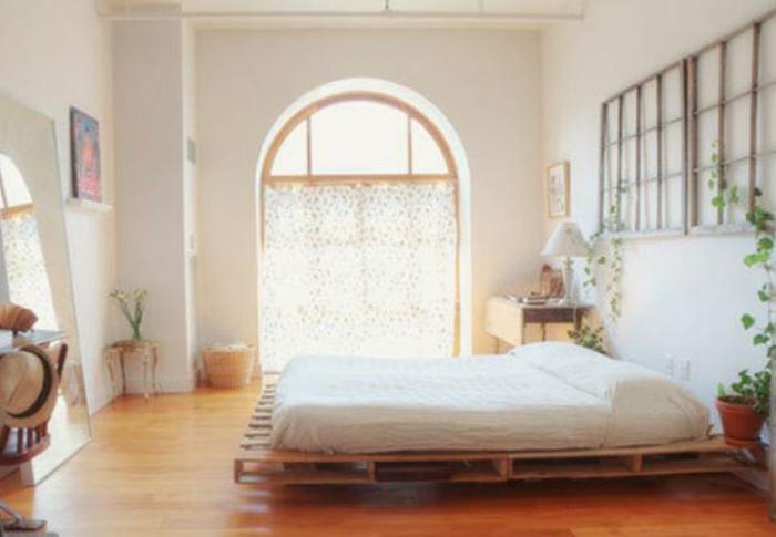 Bett aus spaletten sofa aus paletten paletten bett möbel aus paletten bogen schlafzimmer ideen