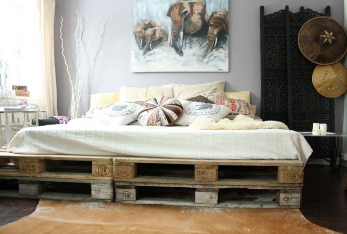 Bett aus paletten sofa aus paletten paletten bett möbel aus paletten künstlerisch schlafzimmer ideen
