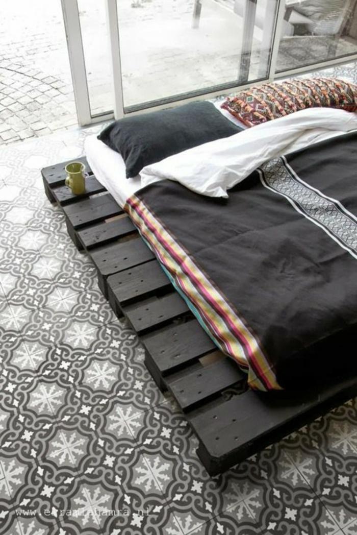 Bett aus paletten sofa aus paletten paletten bett möbel aus paletten zusammen schlafzimmer ideen NEU15