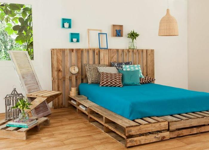 Bett aus paletten sofa aus paletten paletten bett möbel aus paletten zusammen schlafzimmer ideen NEU16