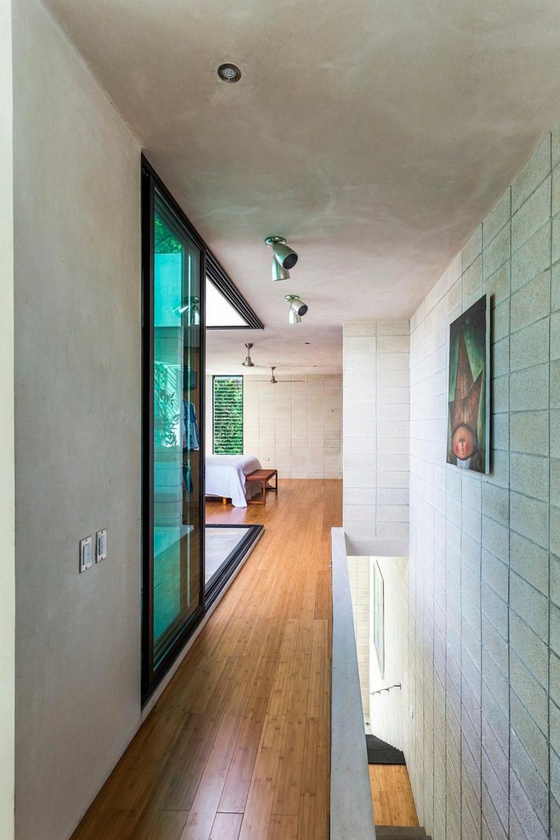 Casa Desnuda Merida Mexico Moderne Häuser bauen Flur Schlafzimmer
