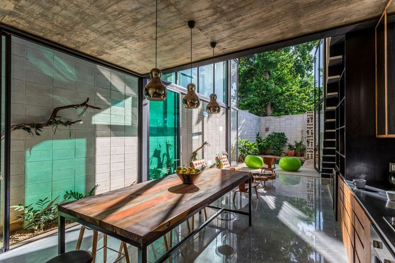 Casa Desnuda Merida Mexico Moderne Häuser bauen geräumige Küche