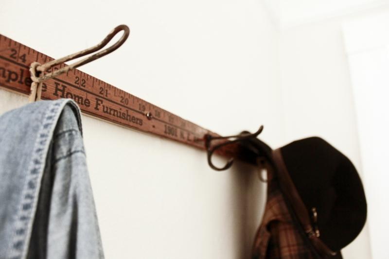 DIY Garderobenständer Garderobe selber bauen rustikale Flurmöbel