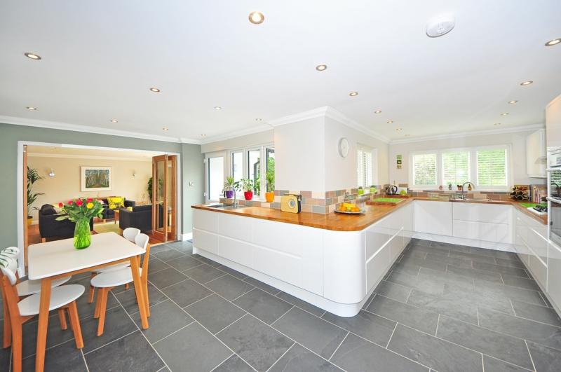 Designerküchen moderne Küchengestaltung Beton Bodenfliesen