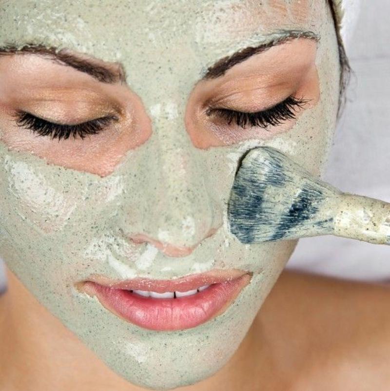Gesichtsmaske selber machen Gesichtspflege mit natürlichen Produkten