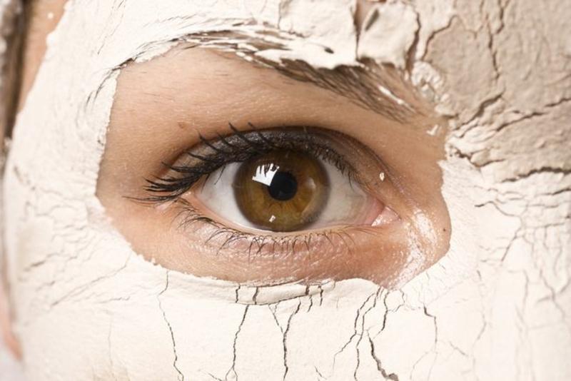 Gesichtsmaske selber machen Gesichtspflege weißer Ton Gesichtsmasken