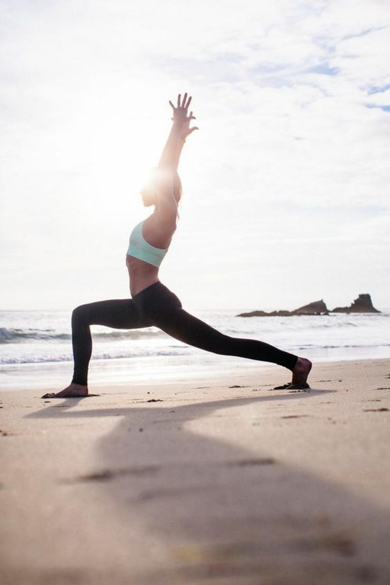 Joggen gehen Übungen am Strand frische Luft tanken
