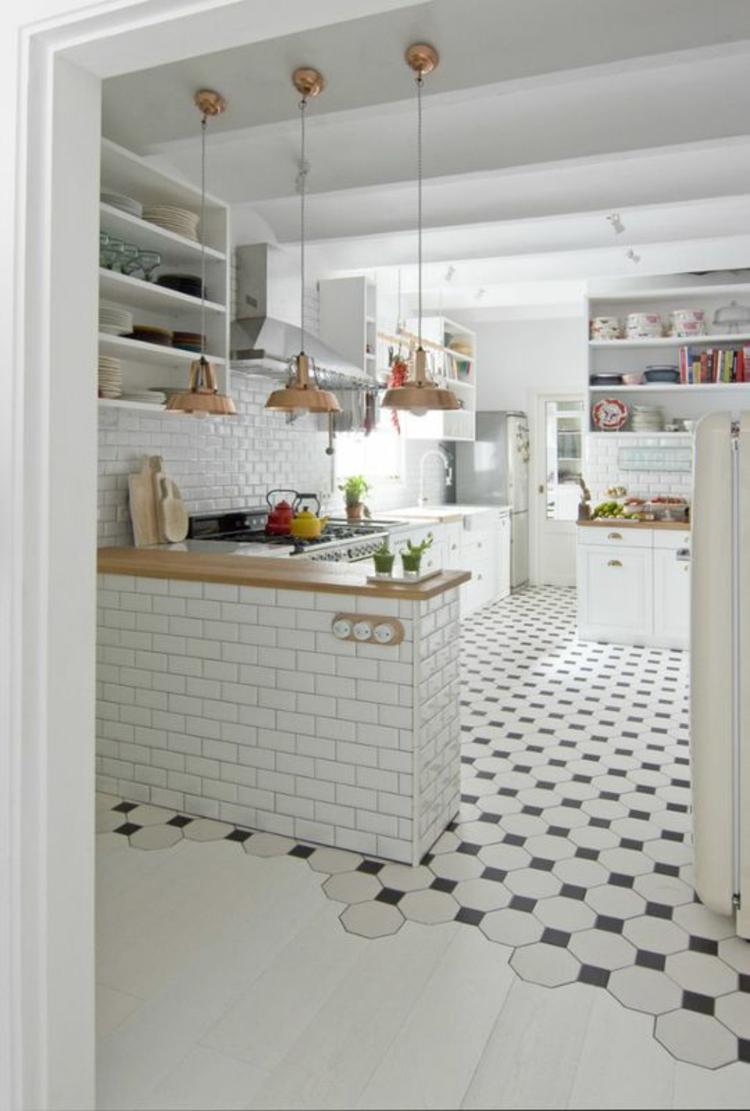 Küchendesign aktuelle Trends weiße Farbe Küchenfliesen Wand weiß