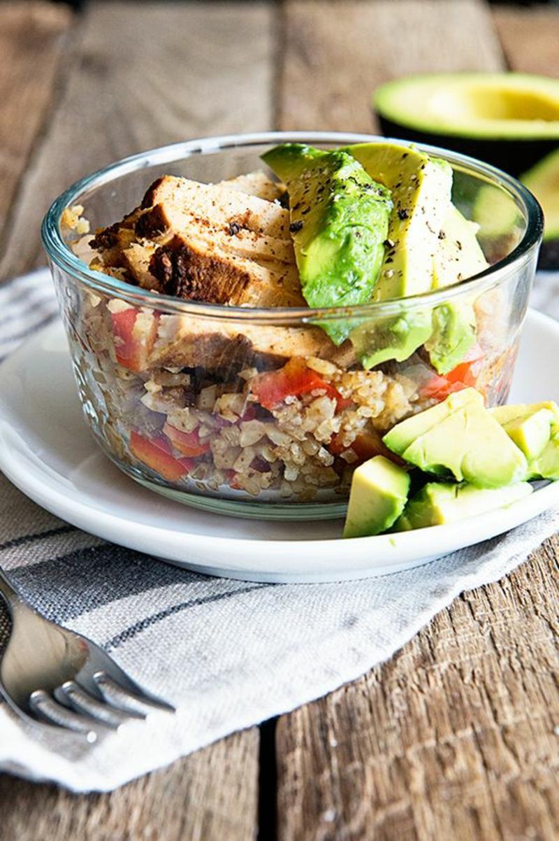 Kohlenhydratarme Ernährung Diät ohne Kohlenhydrate Quinoa Avocado Salat