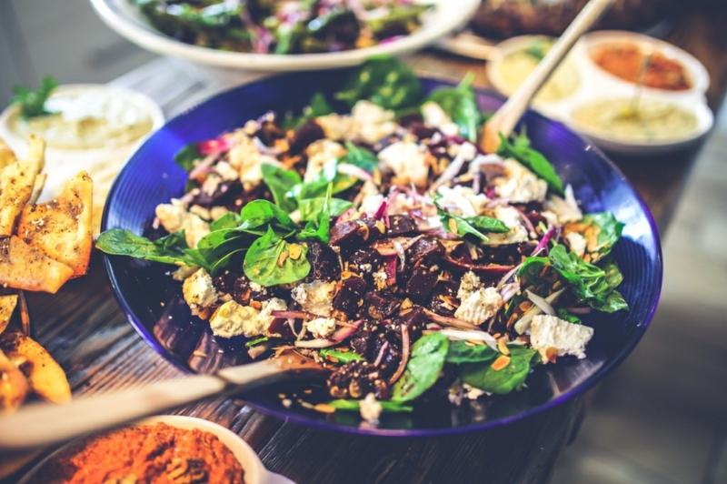 Kohlenhydratarme Ernährung Diät ohne Kohlenhydrate Spinatsalat
