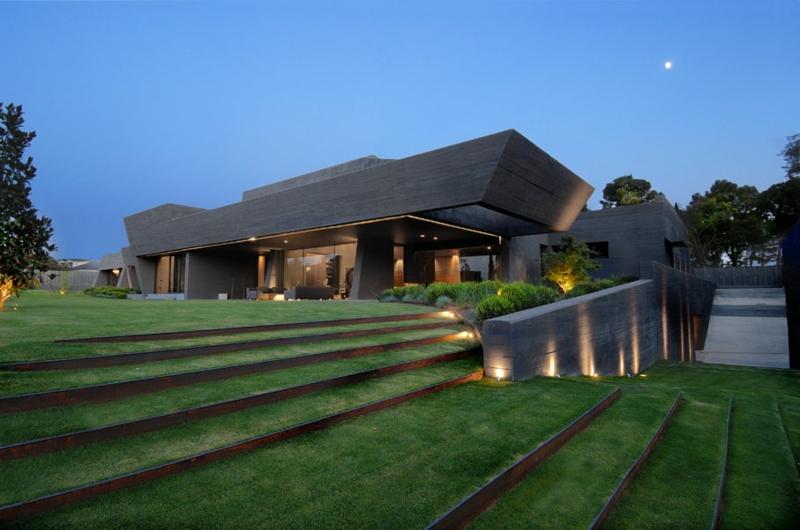 Moderne Häuser bauen Architektenhäuser Hausfassade indirekte Hausbeleuchtung