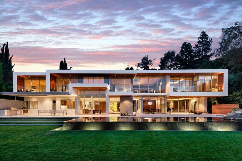 Moderne Häuser bauen Architektenhäuser Hausfassade raumhohe Fenster