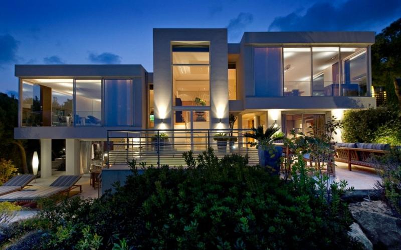 Moderne Häuser bauen Architektenhaus mit Gartenpool