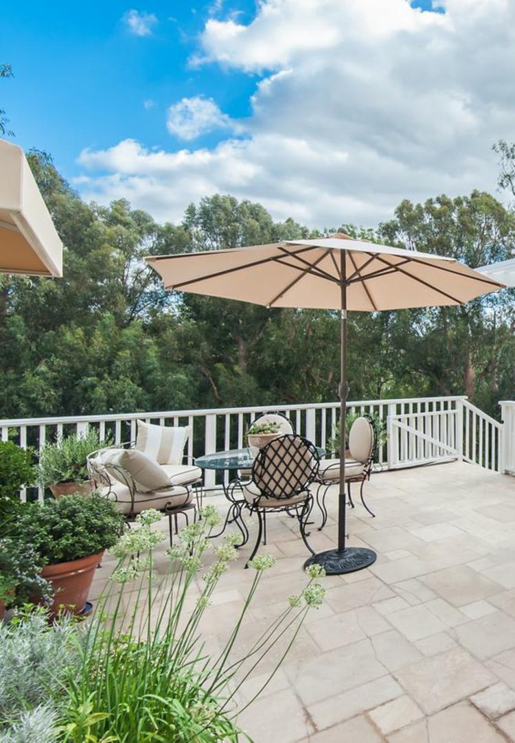 Sonnenschirme Garten Lounge Möbel Sonnenschirm auf der Terrasse