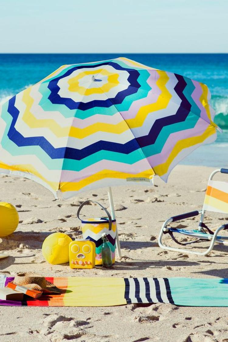 Sonnenschirme Strandmode Sichtschutz am Strand