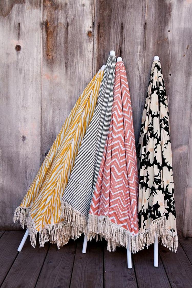 Sonnenschirme verschiedene Farben und Muster
