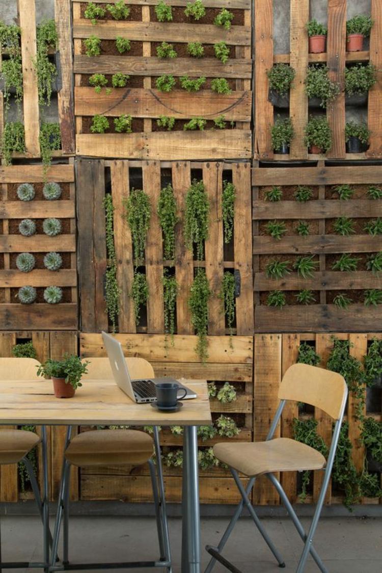Vertikaler Garten Anleitung Außenmöbel Gartenmöbel aus Paletten