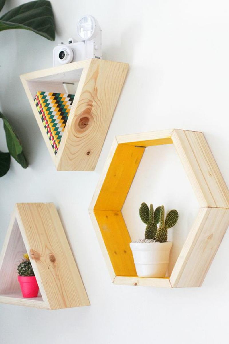 Wandregal selber bauen Anleitung DIY geometrische Regale selber bauen