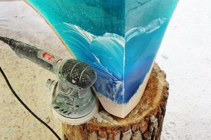 Designer Couchtisch aus Acrylglas in fabelhafter Meeresoptik