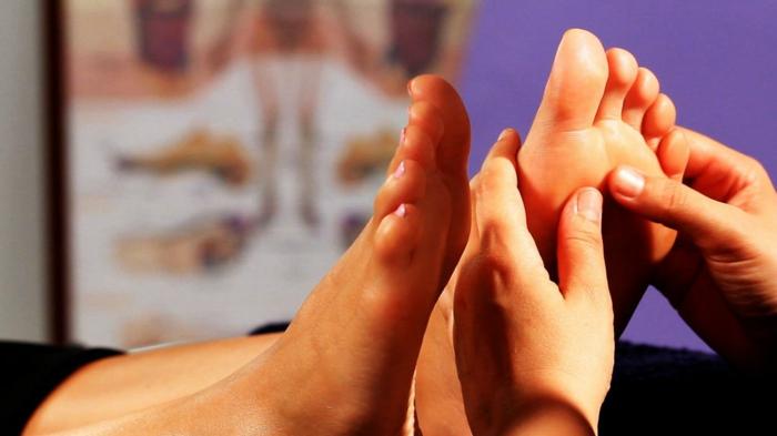 akkupressur lebe gesund gesund leben heilpraxis massage akupressur zonen fuesse