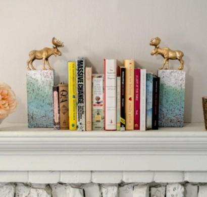 Ordnung im Bücherregal schaffen - 39 originelle Bücherstützen
