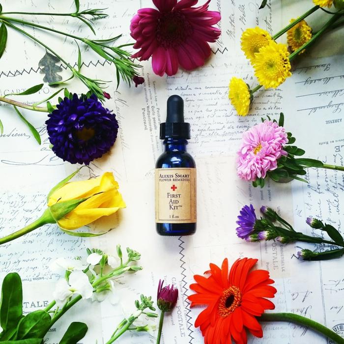 bachblüten wirkung holsistische heilung heilpraxis studioaufnahme entspannung in flaschen natur