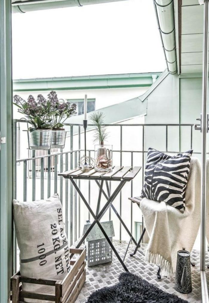 Gartenmobel Gebraucht Bayern : balkon gestalten balkonmöbel geländer klappstühle tisch wolldecke