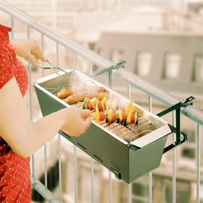 balkon gestalten balkonmöbel grillen balkongestaltung metallene geländer