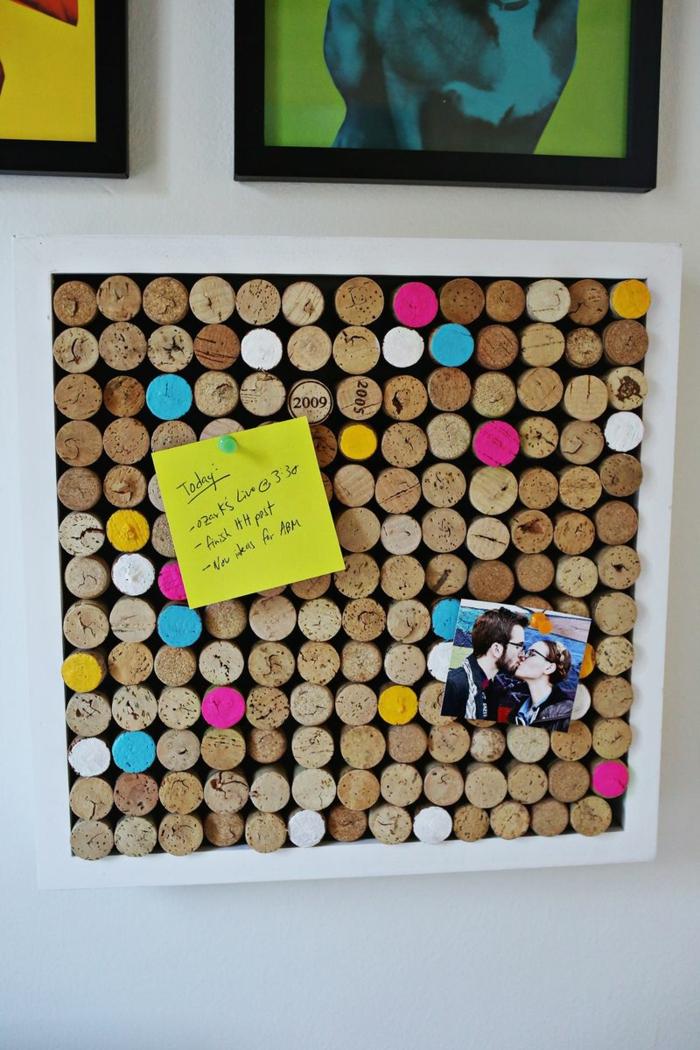 basteln mit korken bastelideen deko ideen diy ideen tablett aus korken pinnwand1