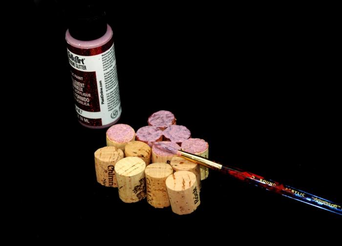 basteln mit korken bastelideen deko ideen diy ideen tablett aus korken wein vorbereitung