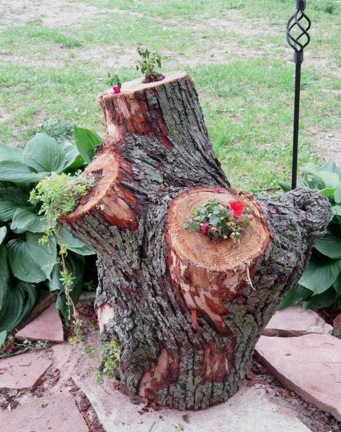 deko ideen selbermachen pflanzenbehälter baumstümpfe wiederverwenden