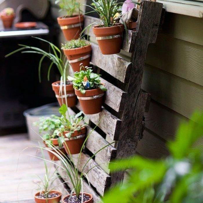 deko ideen selbermachen pflanzenbehälter paletten