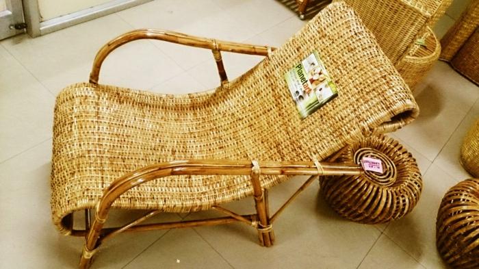 bambusdeko wohnideen holzdeko raumtrenner teppich wohnzimmer stuhl