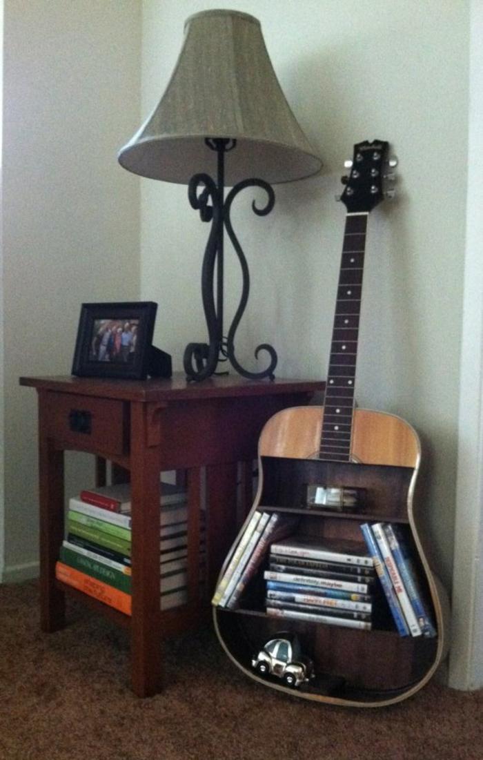 Upcycling Ideen dekoideen deko ideen wohnzimmer ideen DIY ideen kreativ gitarre bücherregal