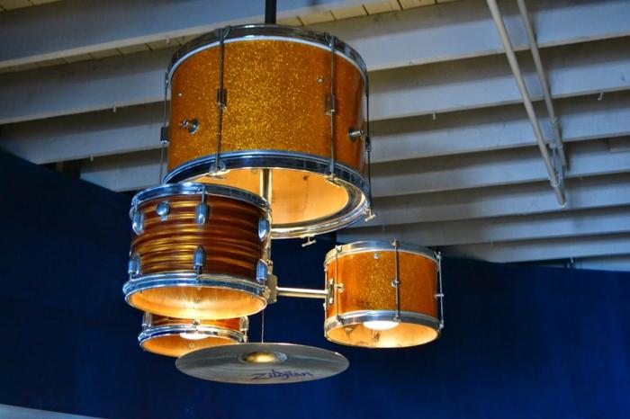 Upcycling Ideen dekoideen deko ideen wohnzimmer ideen DIY ideen kreativ gitarre beleuchtung