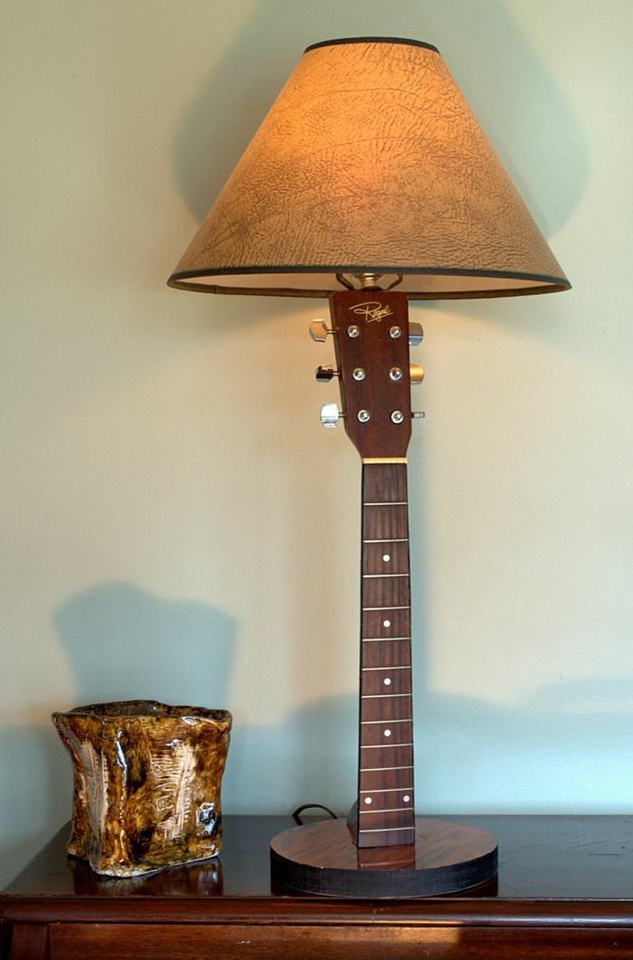 Upcycling Ideen dekoideen deko ideen wohnzimmer ideen DIY ideen kreativ gitarre griff