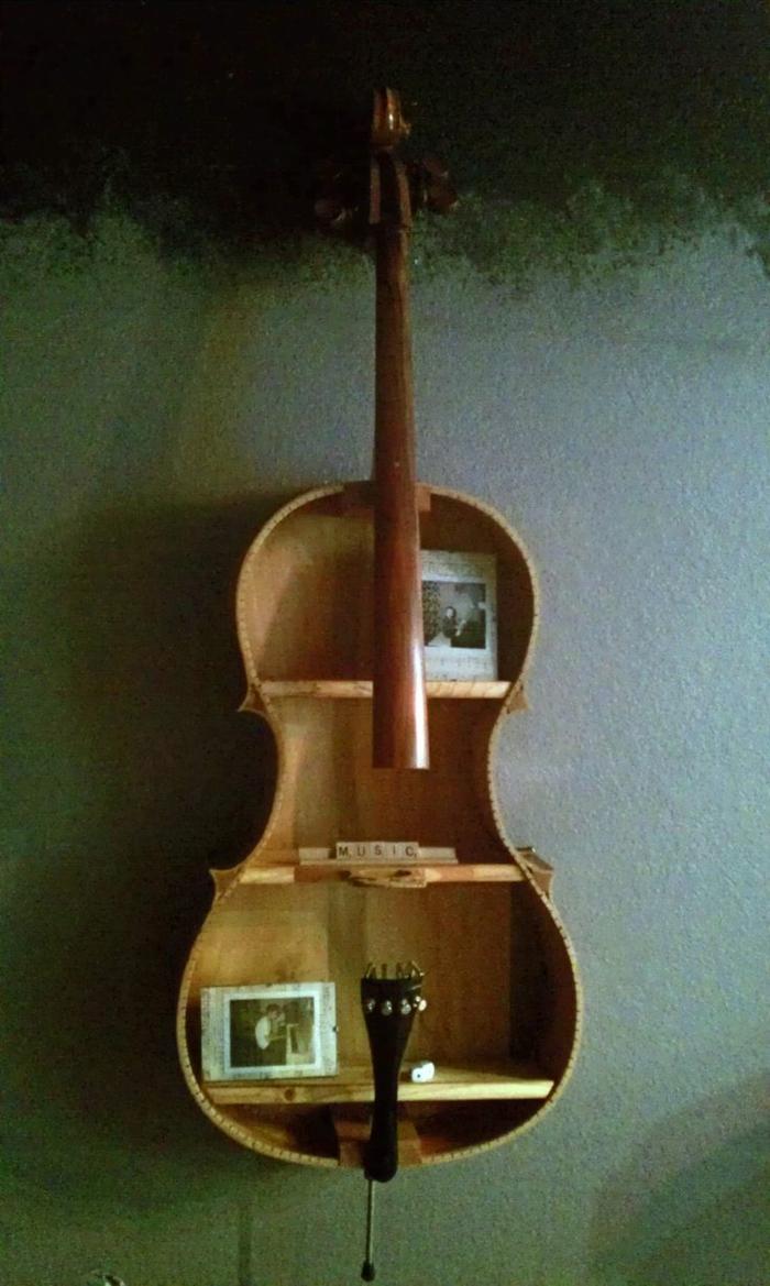 Upcycling Ideen dekoideen deko ideen wohnzimmer ideen DIY ideen kreativ gitarre korpus