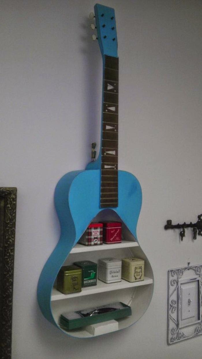 Upcycling Ideen dekoideen deko ideen wohnzimmer ideen DIY ideen kreativ gitarre teeregal