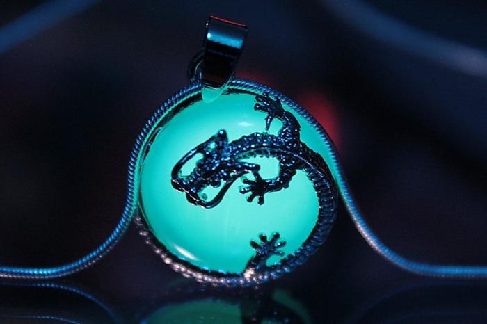 designer schmuck amulette keltischer schmuck vintage schmuck leuchtend drachenkette