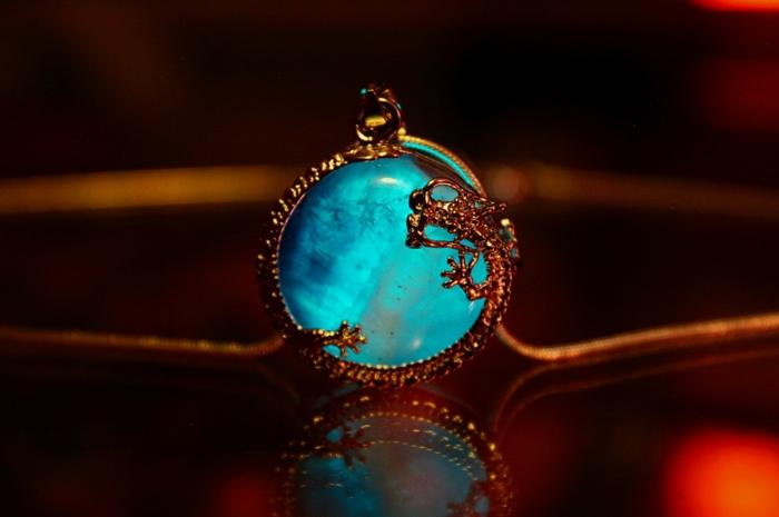 designer schmuck amulette keltischer schmuck vintage schmuck leuchtend halskette2