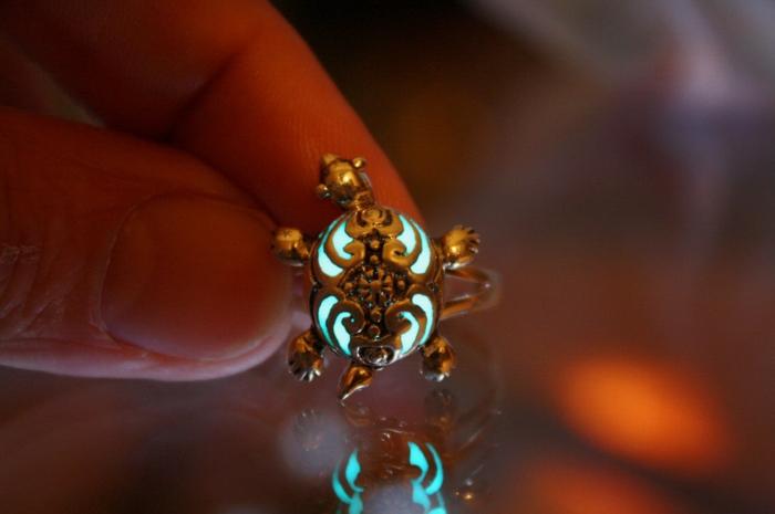 designer schmuck amulette keltischer schmuck vintage schmuck leuchtend schildkröte bewegt