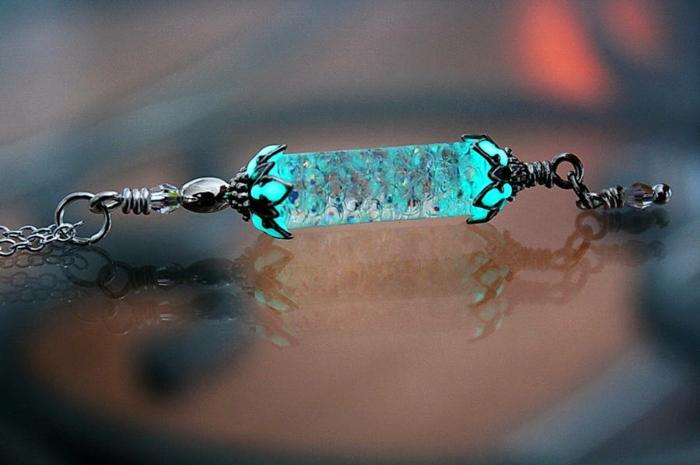 designer schmuck amulette keltischer schmuck vintage schmuck leuchtend stein