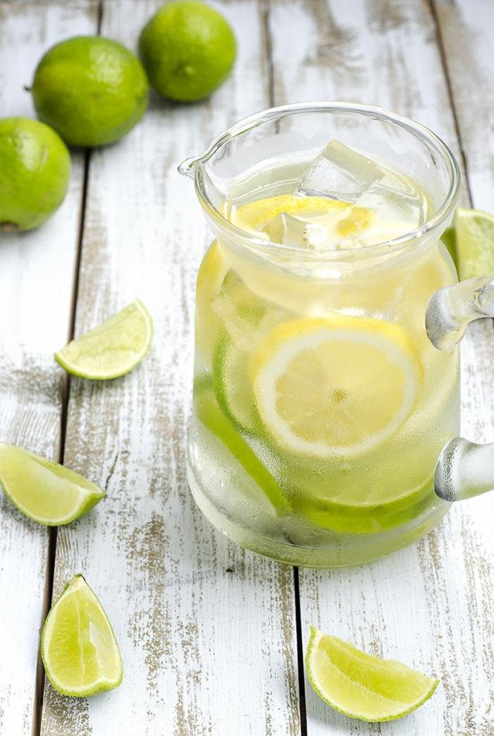 detox kur sommer entgiftung rezept wasser entschlackungssaft zitrone limette