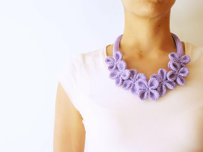 einfache häkelmuster halskette lila accessoires schmuck selber basteln