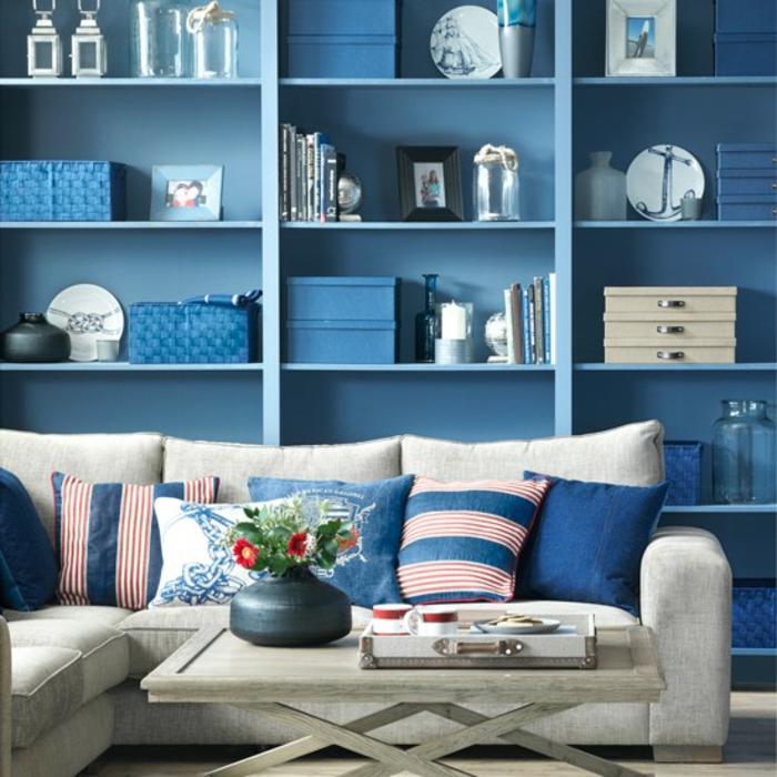 einrichtungsbeispiele maritime deko krake blau wohnzimmer eingang blauer schrank