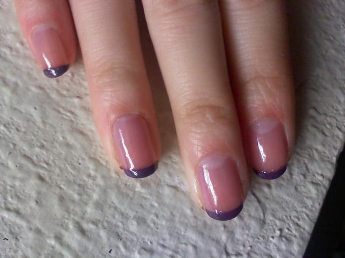 french maniküre sanfte farbnuancen lila
