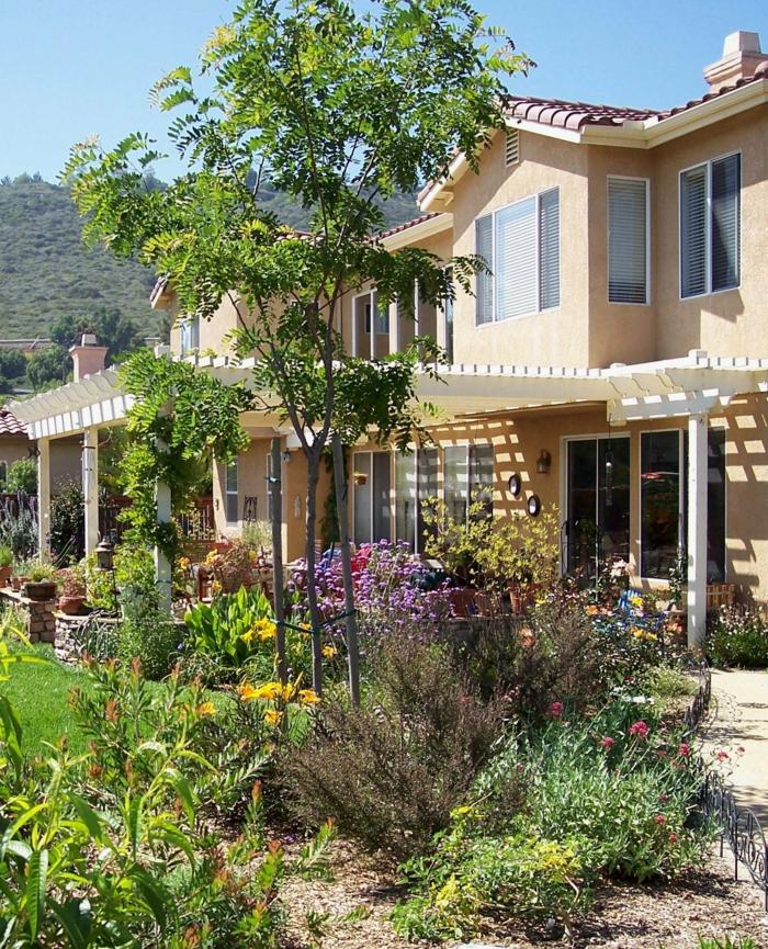 garten pergola veranda pflanzen gartengestaltung ideen