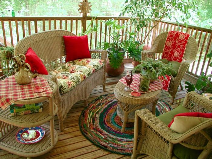 gartengestaltung ideen korbmöbel runder teppich veranda gestalten