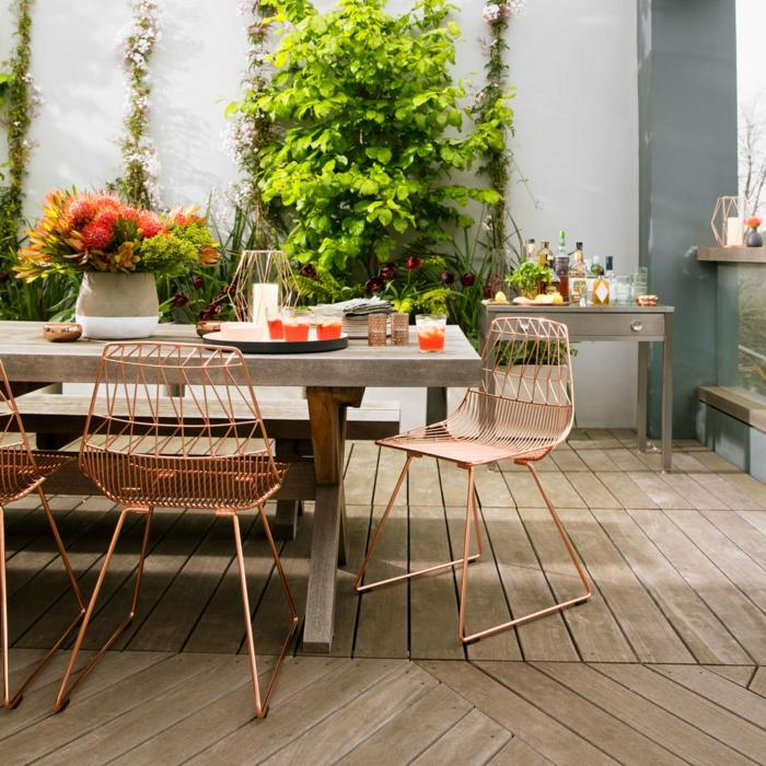 gartengestaltung ideen schöne gartenmöbel gartenpflanzen holzboden